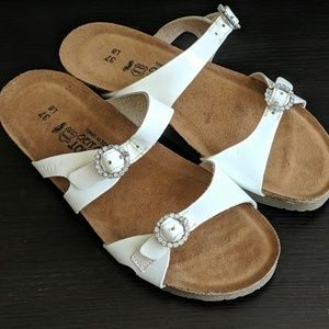 Naot Patent Leather Sandals Rhinestones 37 6